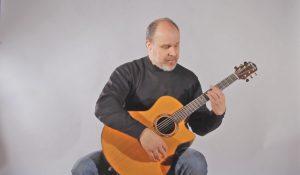 klasikinis-gitaros-laikymas