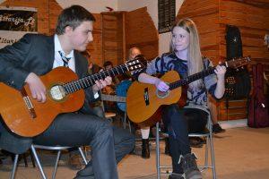 Groja Tomas ir Giedre - Gitaros kursai ir atskiros gitaros pamokos - Gitarija.lt