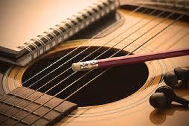 knyga gitarai